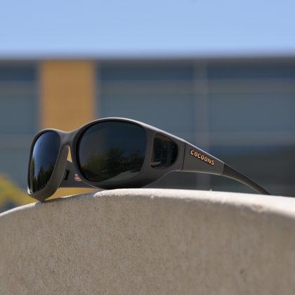 Unisex fitover sunglasses